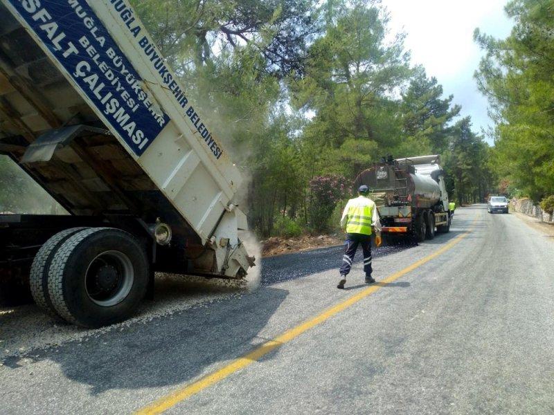 Büyükşehir yollarda bakım ve onarım çalışmalarını sürdürüyor