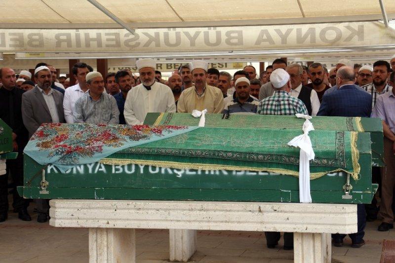Cenaze namazını müftü babası gözyaşlarıyla kıldırdı