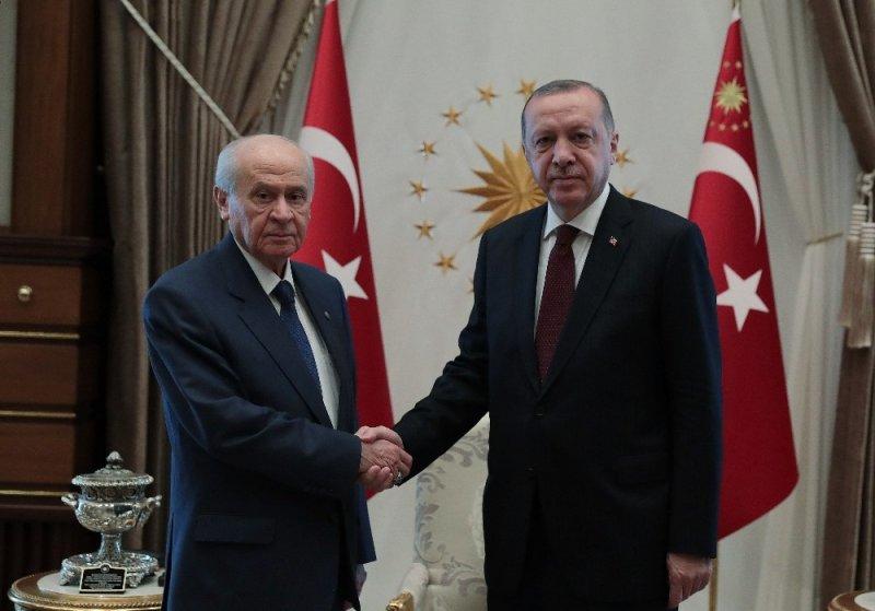 Cumhurbaşkanı Erdoğan'ın MHP Genel Başkanı Devlet Bahçeli ile görüşmesi sona erdi. Görüşme yaklaşık 40 dakika sürdü.