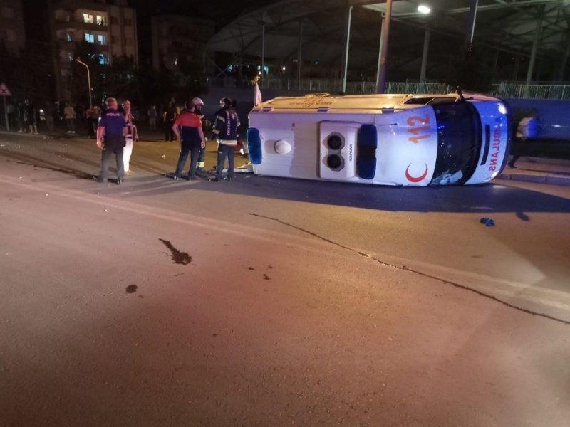 Ambulansın karıştığı kazada yaralı sayısı 7'ye yükseldi