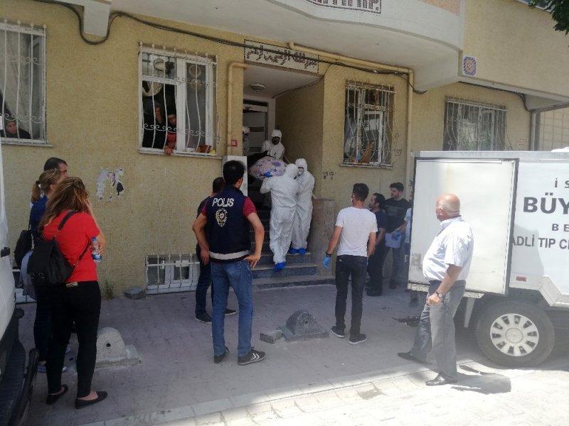 Esenyurt'ta kocası tarafından öldürülen kadının cenazesi Adli Tıpa kaldırıldı