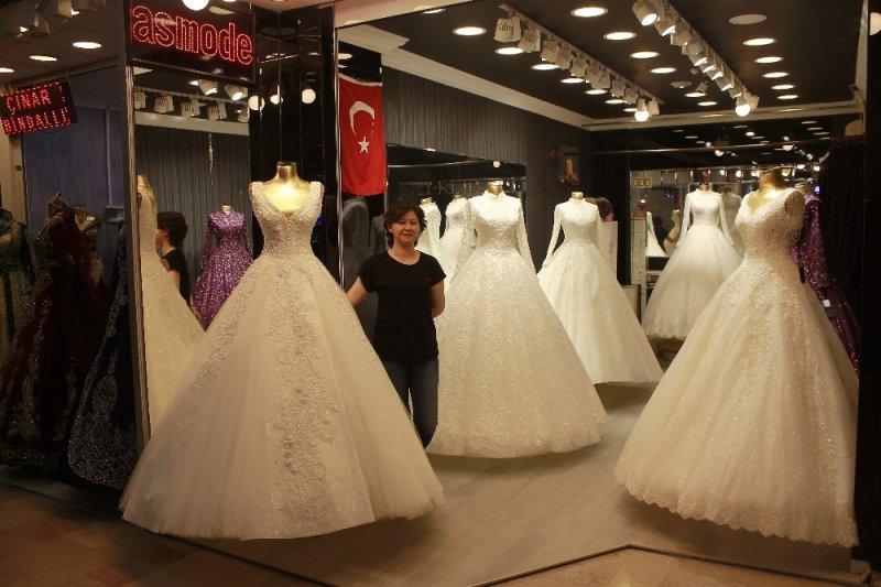 Düğün sezonu piyasaları canlandırdı