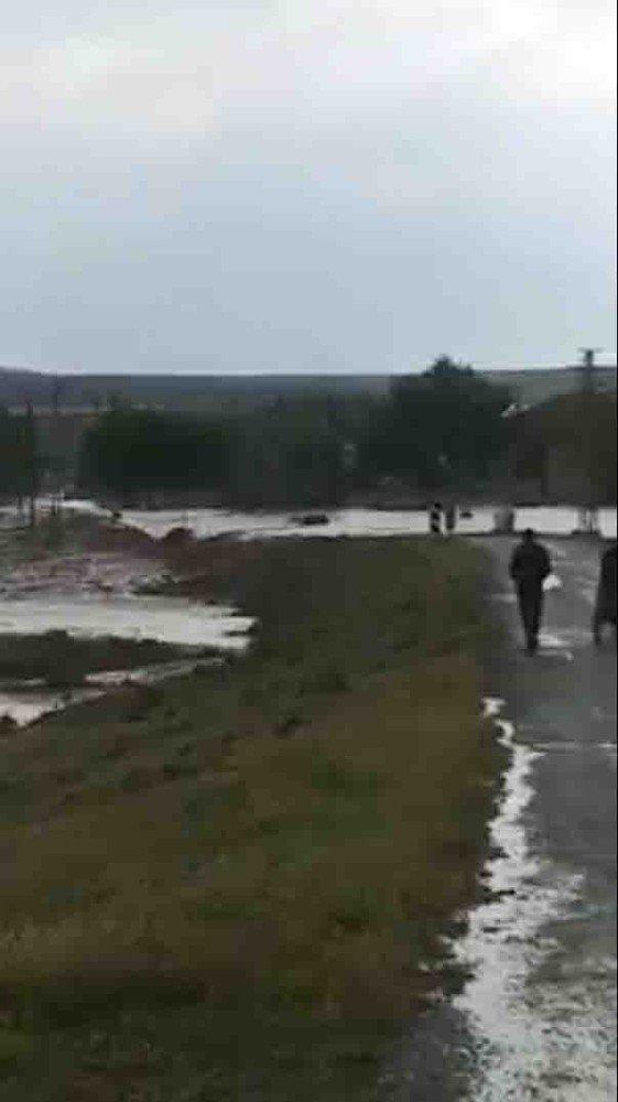 Yuvalı köyündeki felaketi vatandaşlar görüntüledi