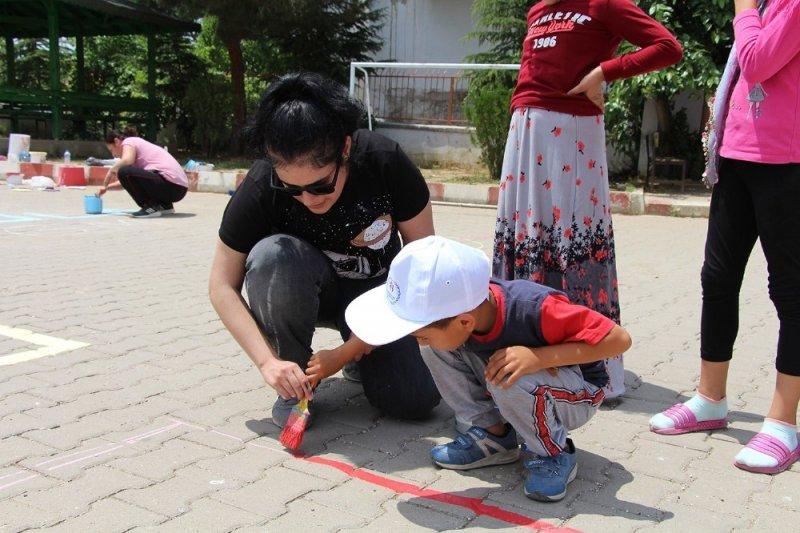 Öğrencileri sosyal hayata yönlendiren projeye ara verildi