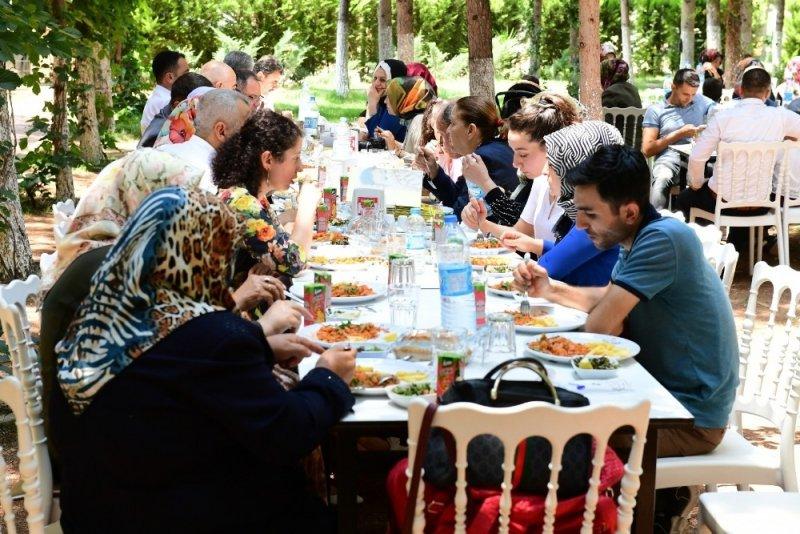 Şanlıurfa'da fenilketonüri hastaları yemekte buluştu