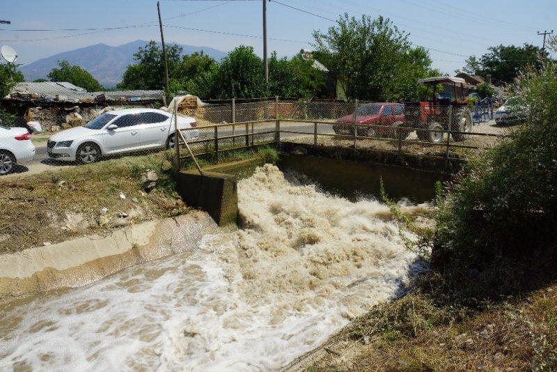 Bakım ve onarımı yapılan 76 yıllık sulama kanalının açılışı yapıldı