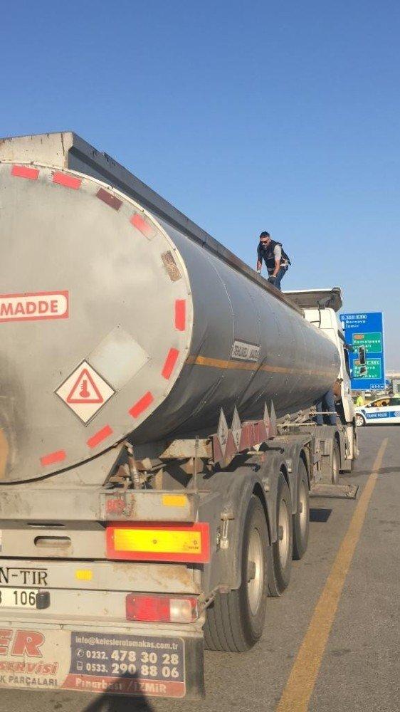İzmir'de yaklaşık 33 ton kaçak akaryakıt ele geçirildi