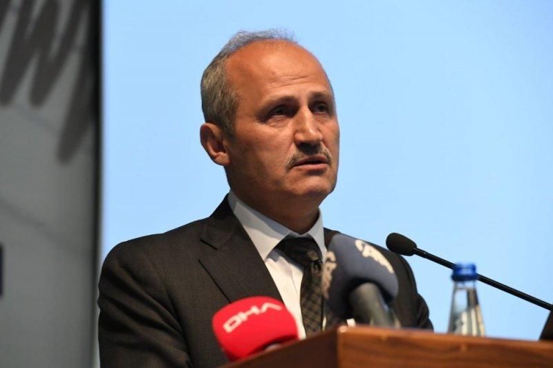 """Bakan Turhan: """"Yerli ve milli deprem yönetmeliği hazırlanıyor"""""""