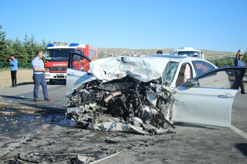 Ankara'da feci kaza: 3 ölü