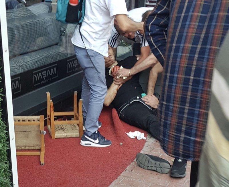 Arkadaşlarıyla kaldırımda otururken pompalı tüfekle vuruldu