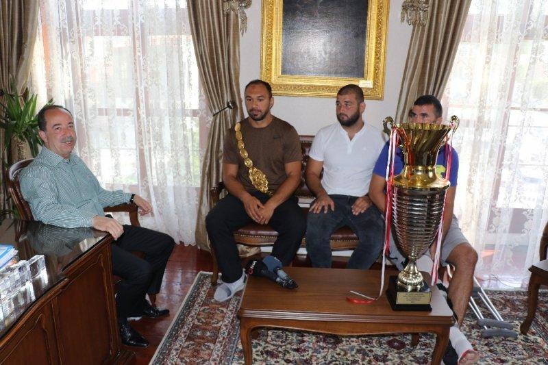 Kırkpınar şampiyonu Gürbüz'den geleneksel 'veda' ziyareti