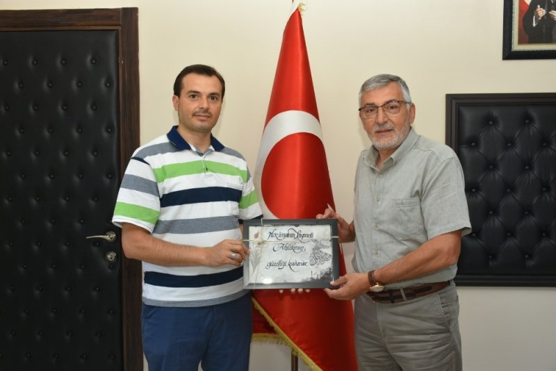 Başkan Bozkurt'a okul müdürü ve öğrencilerden teşekkür