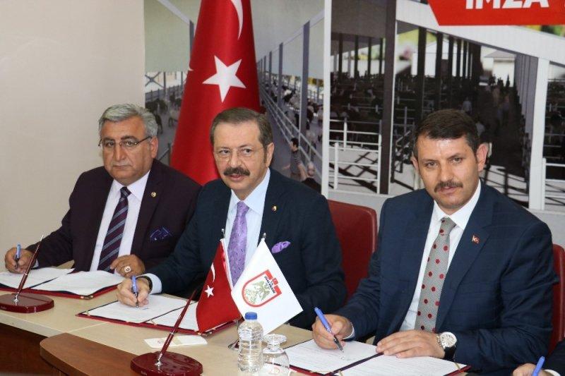 Sivas'ta Canlı Hayvan ve Ot Borsası protokolü imzalandı