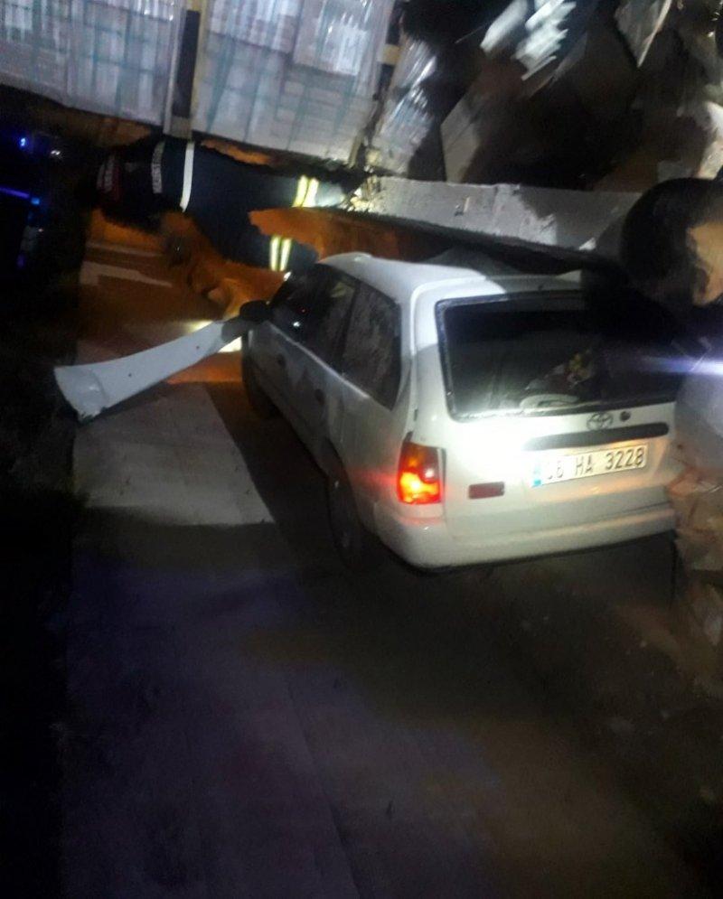 Sivas'ta otomobil devrildi: 6 yaralı