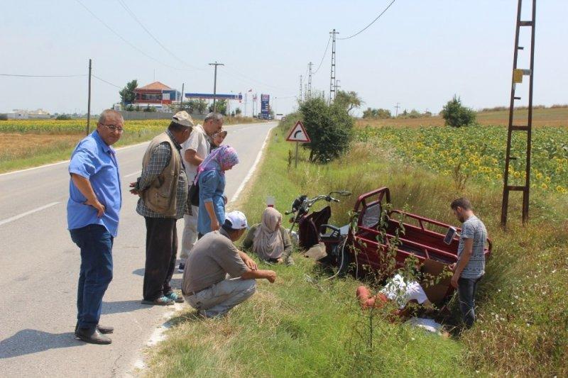 Elektrikli triportör devrildi: 2 yaralı