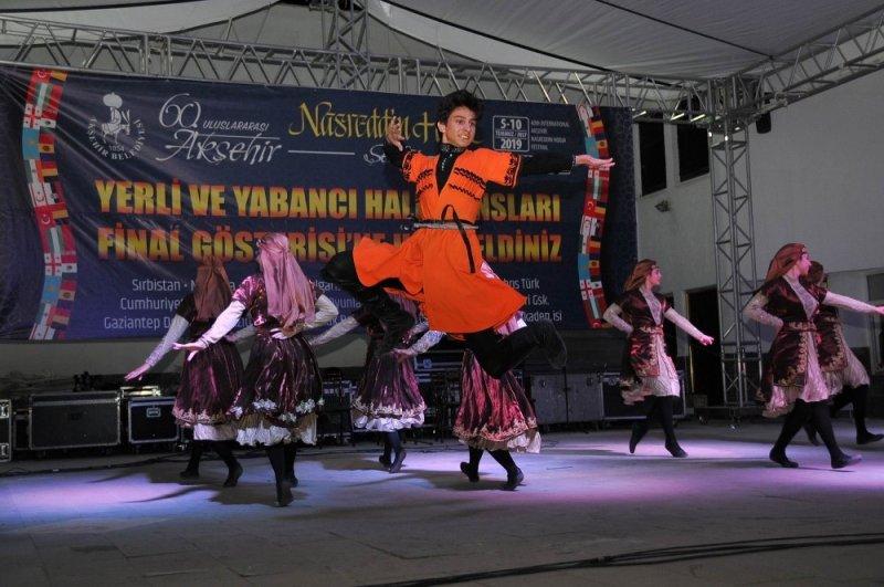 Dünyanın farklı renkleri dünyanın ortası Akşehir'de buluştu