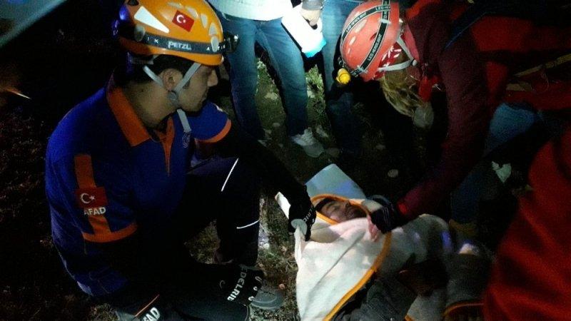 Köpek saldırısı sonucu dağda mahsur kalan vatandaş 5 saat süren operasyonla kurtarıldı