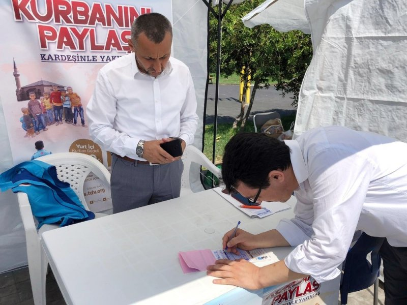 Sinop'ta Diyanet Vakfı kurban bağış standı açtı