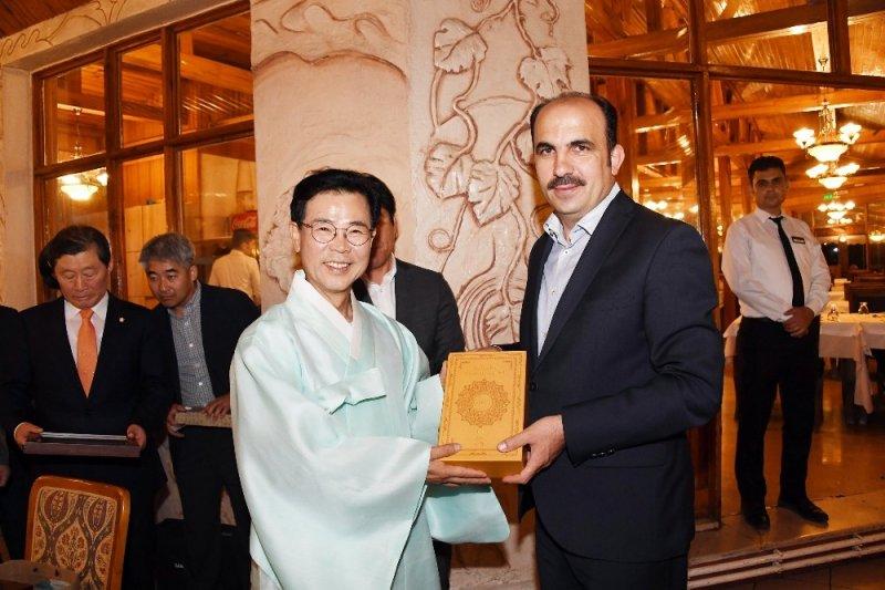 Kardeş şehir Gangneung'dan Başkan Altay'a ziyaret