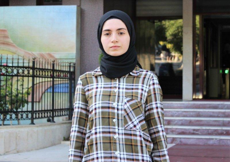 Okul birincisi Özlem'in hak arama mücadelesine KDK sahip çıktı