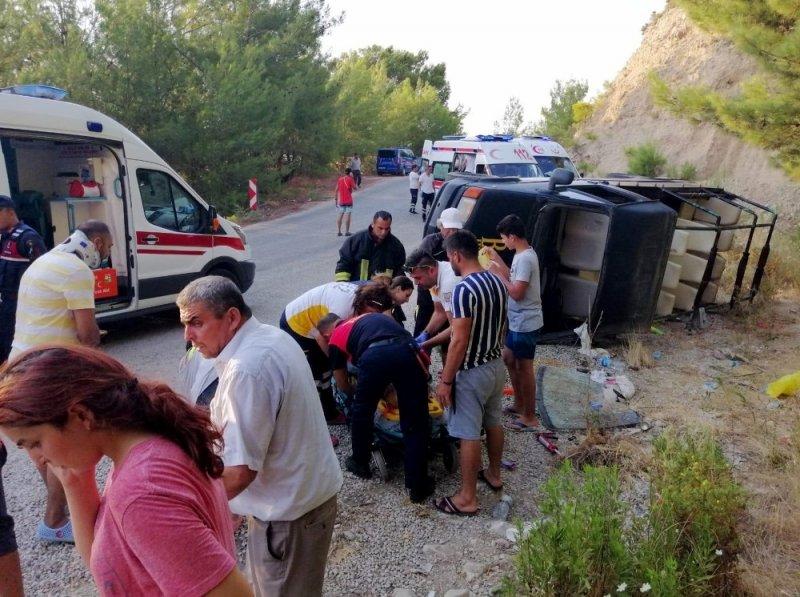 Safari cipi devrildi: 6'sı yabancı uyruklu 16 yaralı