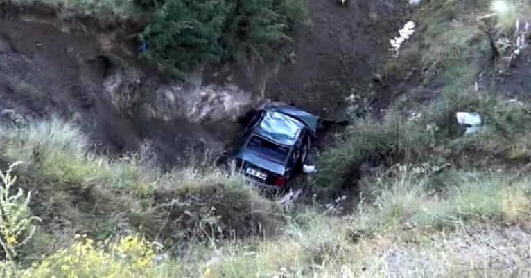 Bayburt'taki trafik kazasında ölen 3 kişi toprağa verildi