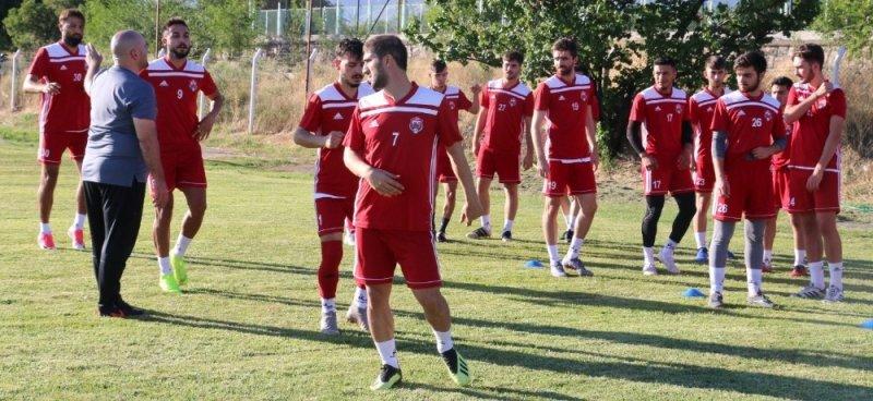 Erzincanspor 2. etap kampına Erzurum'da başladı