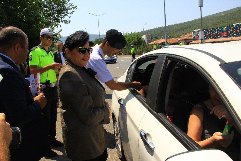 Vali Civelek'ten sürücülere kemer uyarısı