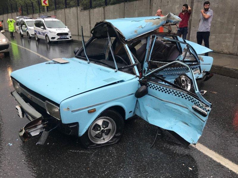 Sağanak yağış sonrası Maslak'ta feci kaza: 3'ü ağır 4 yaralı