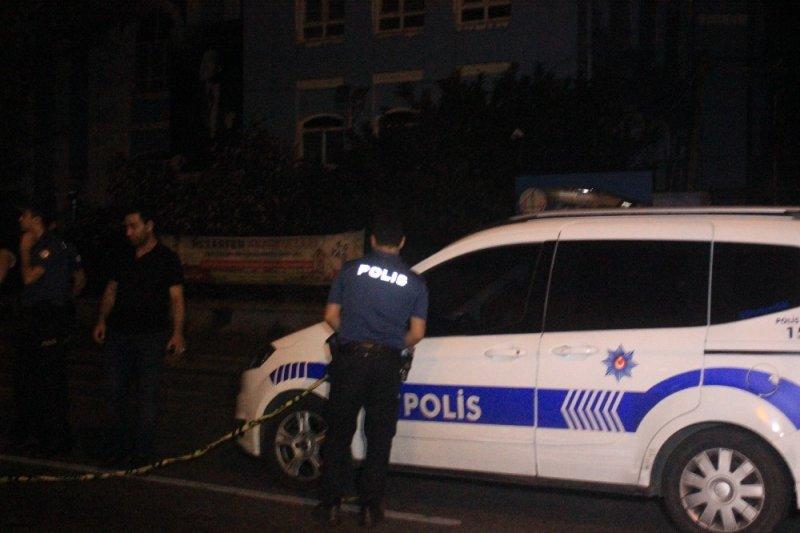 Beyoğlu'nda şüpheli paket alarmı
