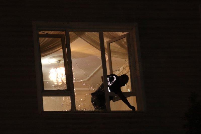 Karaman'da kimliği belirsiz kişilerce bir ev kurşunlandı