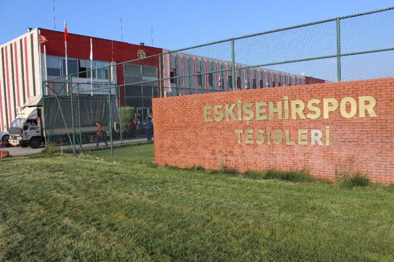 Eskişehirspor'un kulüp eşyaları haczedildi