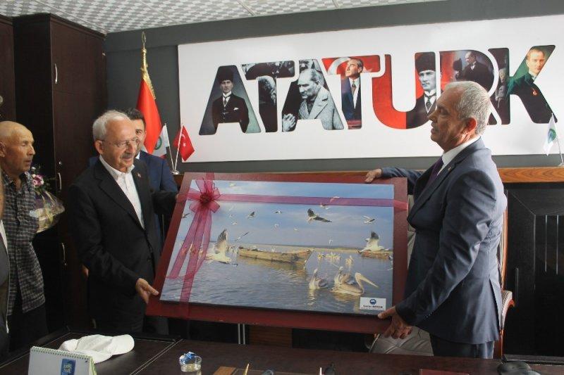 Kılıçdaroğlu Manyas'ta vatandaşlara seslendi