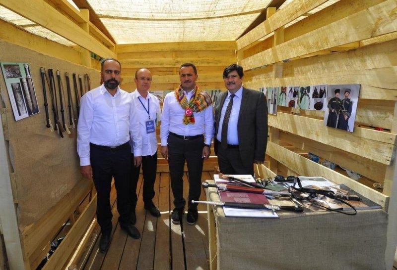 Rektör Şevli Ahlat'ta kazı alanını ziyaret etti