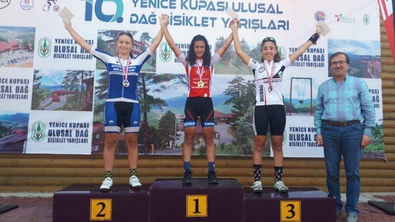 Kayserili bisikletçiler Karabük'ten 5 madalya ile döndü