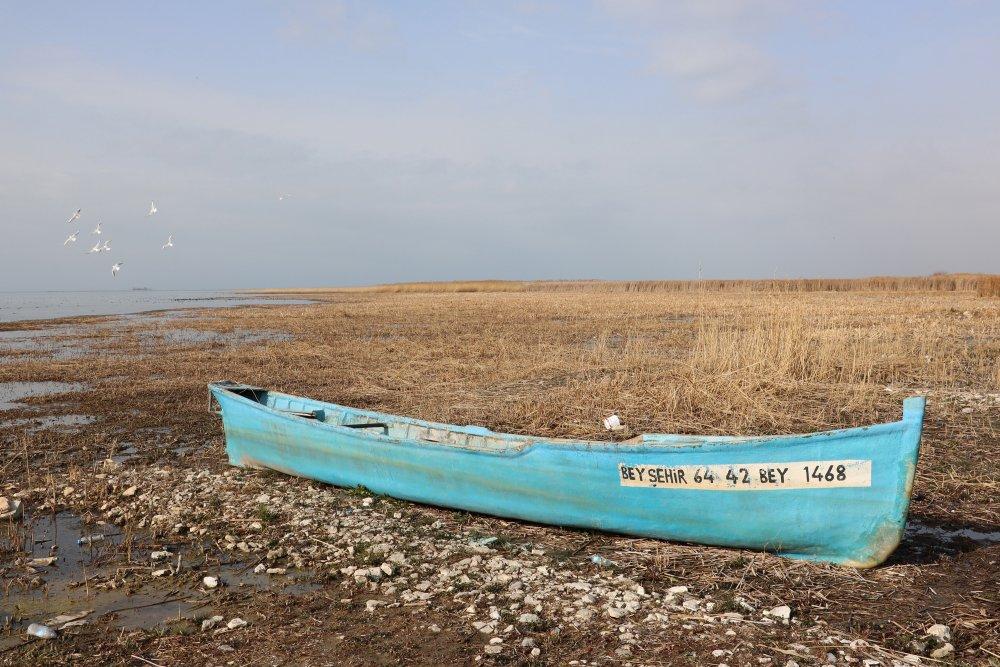 suyu-50-metre-cekilen-beysehir-golu-agliyor-3328-dhaphoto11.jpg