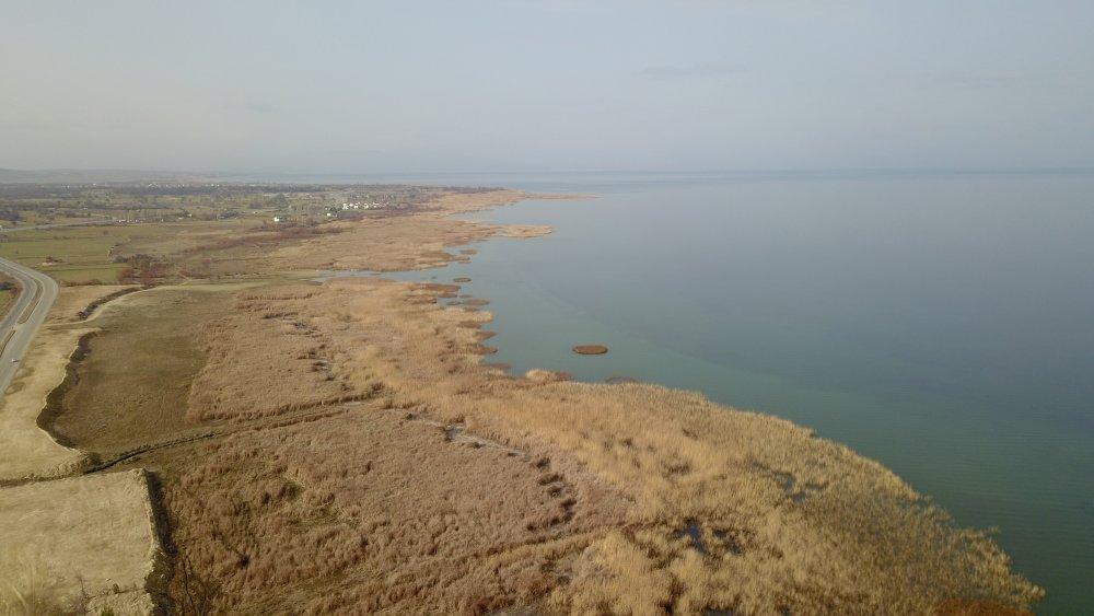 suyu-50-metre-cekilen-beysehir-golu-agliyor-3328-dhaphoto5.jpg