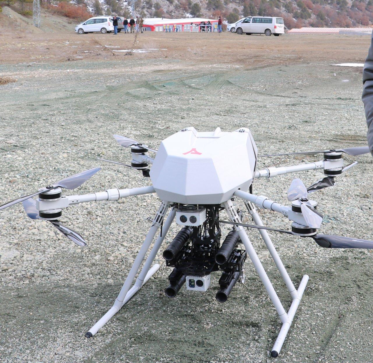 turkiyenin-ilk-milli-bomba-atarli-dronu-songar-3674-dhaphoto6.jpg
