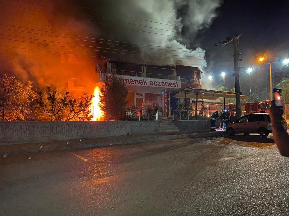 kapali-restoranda-patlama-meydana-geldi-3832-dhaphoto1.jpg