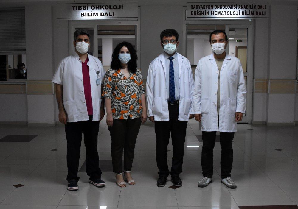 prof-dr-artac-kanser-hastalarina-covid-asisini-yaptirmalarini-oneriyoruz-9630-dhaphoto5.jpg
