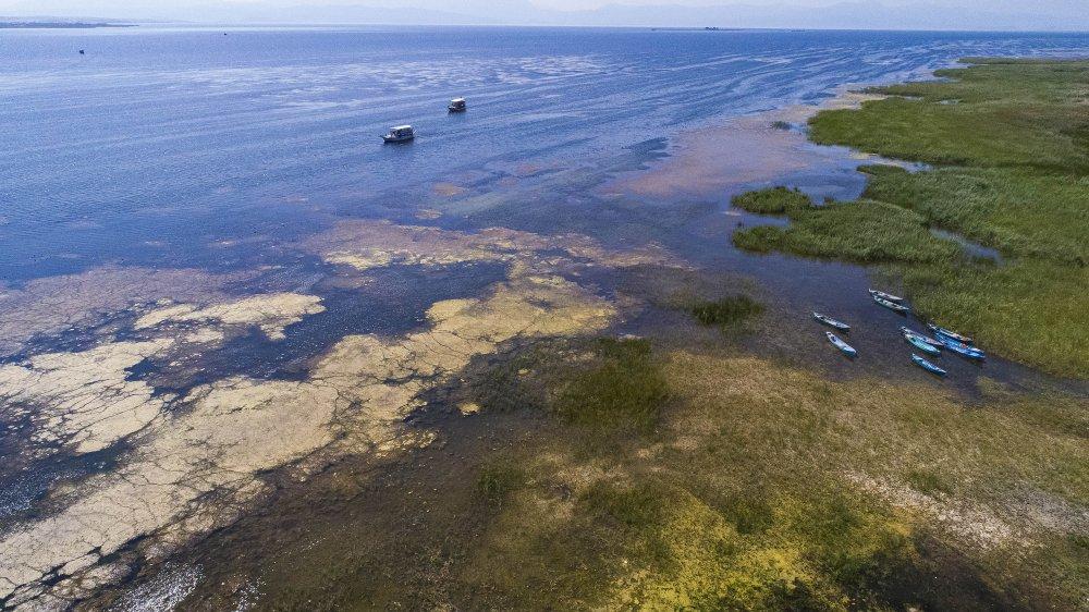 beysehir-golunun-suyu150-metre-cekildi-2462-dhaphoto3.jpg