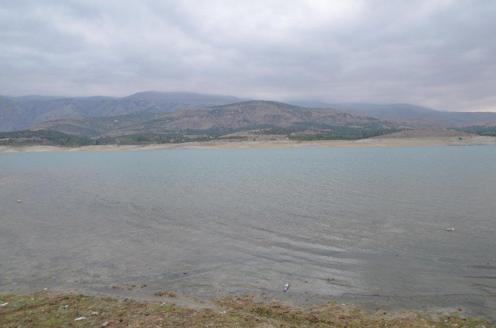 kanalizasyon-sulari-baraj-goletine-akiyor-1392-dhaphoto11.jpg