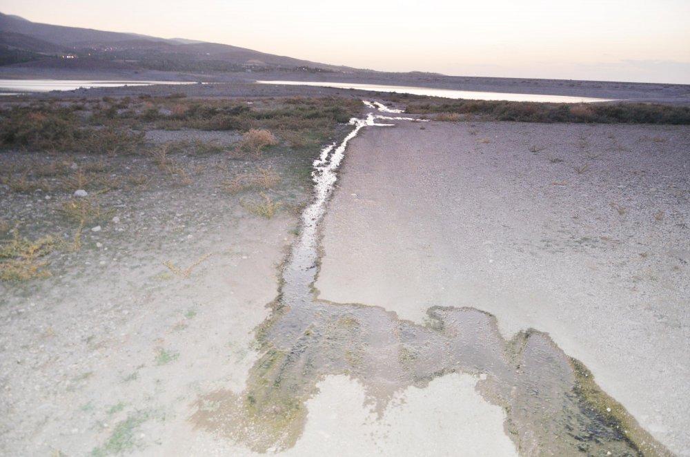 kanalizasyon-sulari-baraj-goletine-akiyor-1392-dhaphoto7.jpg