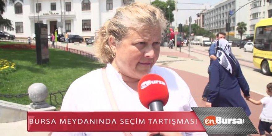 Erdoğan hayranı kadın: Onun kafasını yerim ben