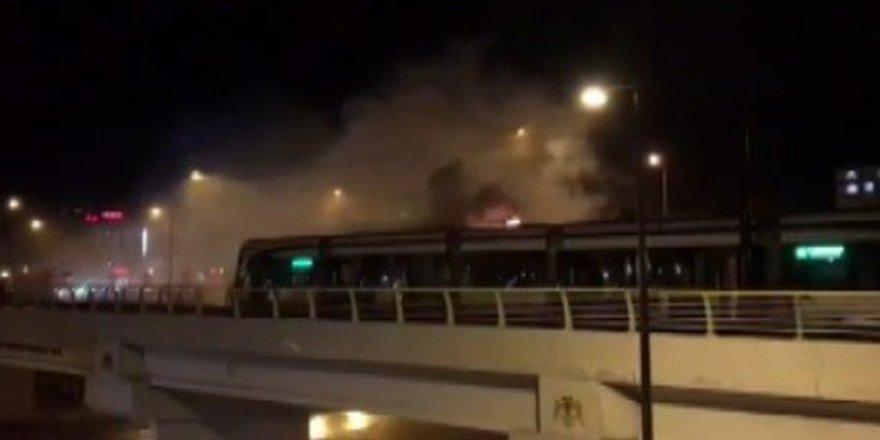 Tramvayda yangın çıktı