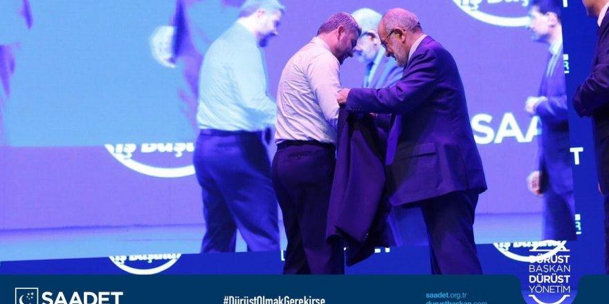 Saadet Partisi adayları cepsiz ceket giydi