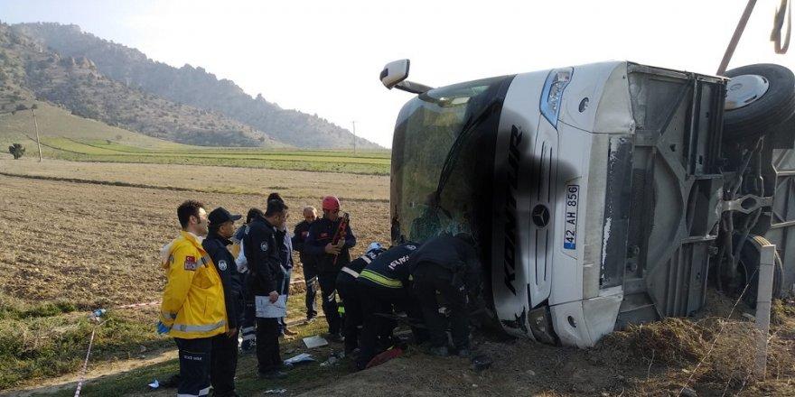 Denizli'de Konya otobüsü kaza yaptı:2 ölü