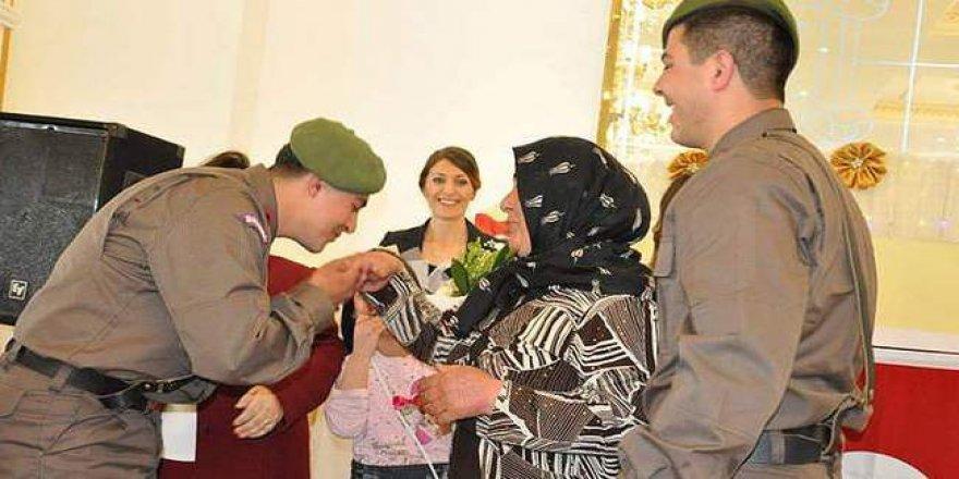TSK, Anneler Gününü kutladı