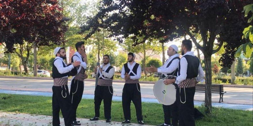 Konya'da yaşayan Suriyeliler düğün öncesi prova yaptı