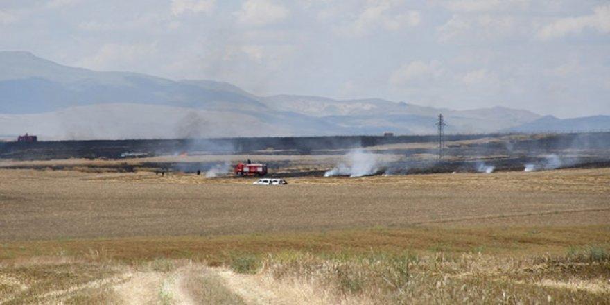 Konya'da hububat ekili alanda yangın çıktı